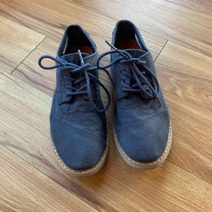 Boy's Toms | Canvas Snakers | Navy Blue | Size 5